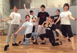 沖縄市で笑顔になれるテーマパークダンスレッスン